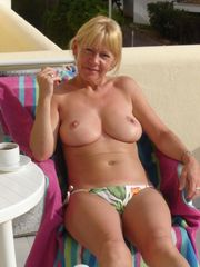 Images ex chicks - Une mature aux gros...