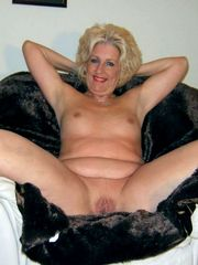 12 insatiable moms exposing their still..