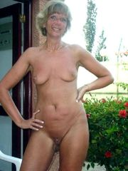 Combined nude cougar chicks from..