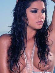 Sexy model from india Sunny Leone..