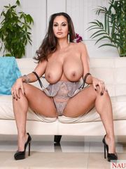 Ava Addams Banging In The Bed - NAUGHTY..