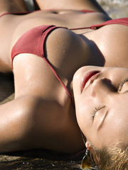 Download Wallpaper bikini