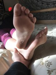 Extremly Supreme more of friends feet...