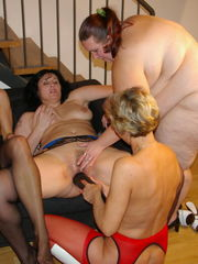 Mature girl-on-girl sex soiree