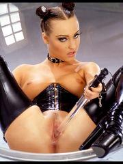 Suze -- 写 真 Isabella (30P)在 线..