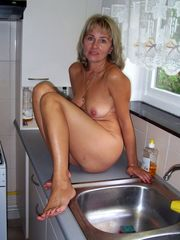 12 insane moms revealing their still..