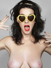 katy Perry celebrity faux sans bra gros..