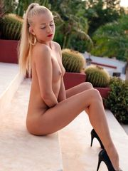 Tall adult movie star Cayla Girl in..
