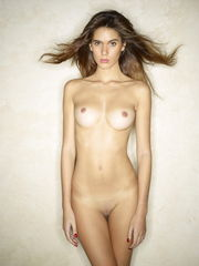 Super-sexy hotty blond unclothing Nude..