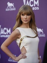 taylor-swift-sexy-photos-12 - Naked..