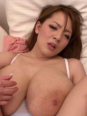 Gorgeous chesty asian Hitomi Tanaka..
