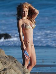 Stefanie Knight At 138 Water Shoot In..