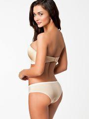 Marvelous model Amy Jackson :::..