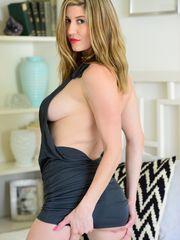 Amber Hahn Boobs