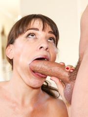 Hot Cougar Dana DeArmond deep-throats..