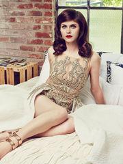 Alexandra Daddario - Wallpaper for..