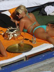 Celeb Backsides Brooke Hoganaposs bum..