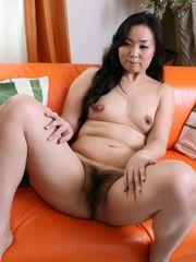 chinese mature Takako Nishazawa..