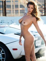 Mila Kunis Nude Images Celeb Leaked..