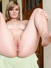plump uber-cute pussy&chubby wooly pussy