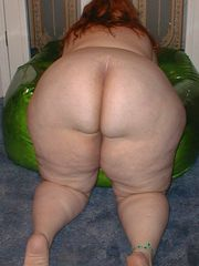 Mature Backside - Big bevy of moms..