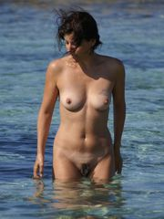 Furry bare female on beach - Ehotpicscom
