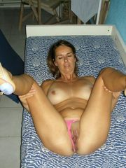 Depraved nude moms thrusting lengthy..