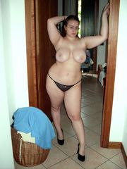 Homemade pictures with buxom nude BBWs