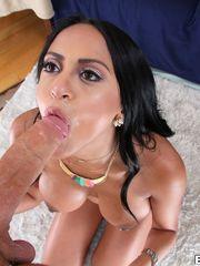 Bodacious porn industry star Kimberly..