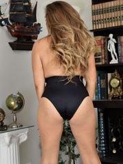 AllOver30, Mature Pictures, Cougar Pics