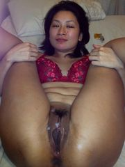 Amateur porn - chinese girl attempting..