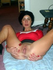 Attractive Mummy homebodies revealing..
