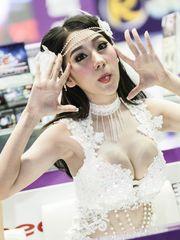 Thai model Hathairat Nammontri bare..