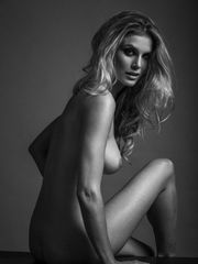 Ashley James Bare & Uber-sexy (Photos)..