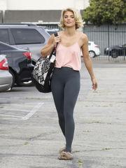AnnaLynne McCord tayt ile Los Angeles..