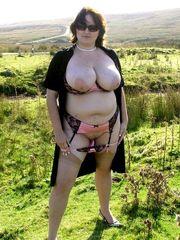 Fantastic saleswoman with nude hefty..