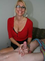 Middle older masseuse Dallas Diamondz..