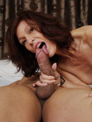 Super-naughty mummy gargling a enormous..