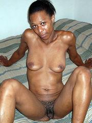 Thick ebony honey posing