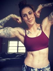 Megan Anderson Twitteriss Added some..