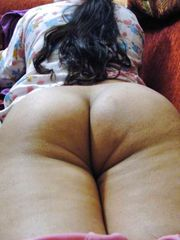 Big backside pakistani bare - Photos..