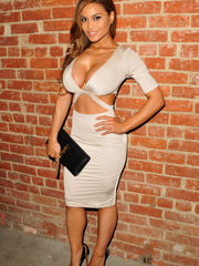 Meet Daphne Joy And Her Awesome Woman..