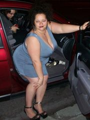 saggy BBWs cleavage 53 soiree time..