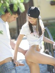 Doris Ivy - Skater Dame outdoor..