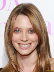 April Bowlby Stellar Actress Pictures..