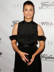 Bellamy Young woman with Thalé Blanc..