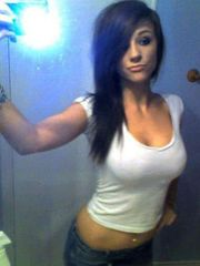 Super-sexy selfies from little girl..