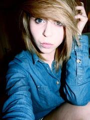 Blonde Little girl from England NN 18yo..
