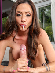 Ariella Ferrera Milfs Like It Massive