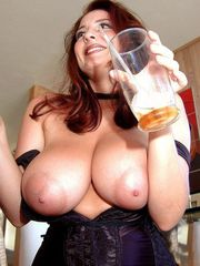 mature milfs opening up their jiggly..
